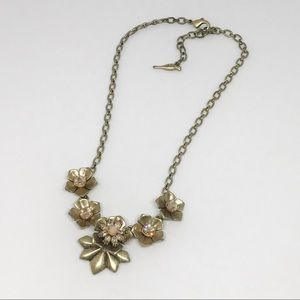 Gardenia Collar Necklace